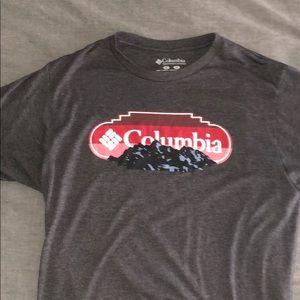 Medium sized Columbia coal/grey colored t-shirt